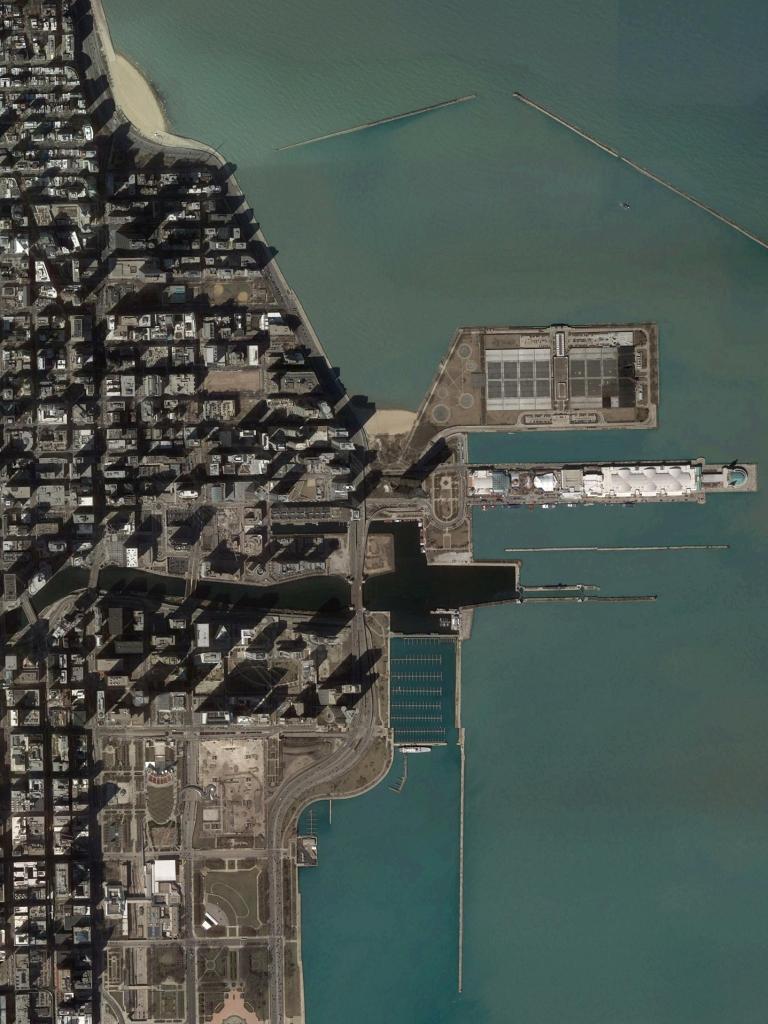 1.3_kottis-chen_Divvy_Aerial Photograph_NavyPier